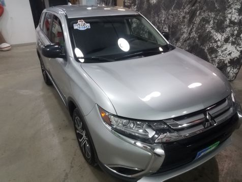 2018 Mitsubishi Outlander AWD SE in Dickinson, ND