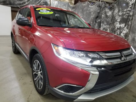 2018 Mitsubishi Outlander ES AWD  All Wheel Drive  3rd row in Dickinson, ND