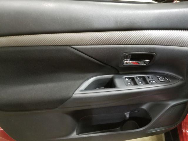 2018 Mitsubishi Outlander ES AWD All Wheel Drive 3rd row in Dickinson, ND 58601