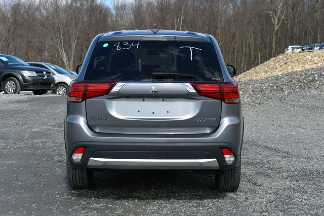 2018 Mitsubishi Outlander ES Naugatuck, Connecticut 3