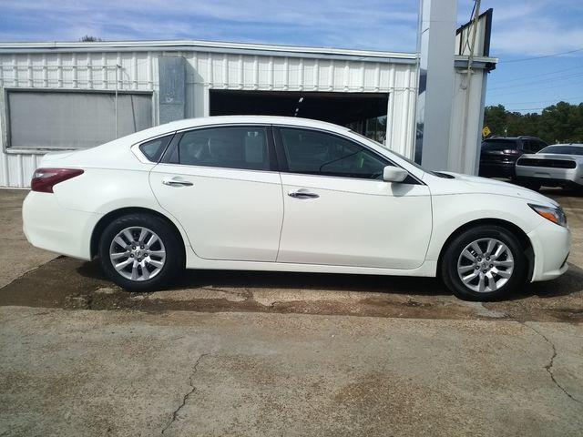 2018 Nissan Altima 2.5 S Houston, Mississippi 1