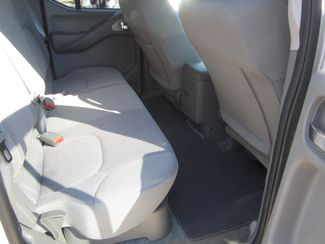 2018 Nissan Frontier Crew Cab 4x4 SV V6 Houston, Mississippi 11