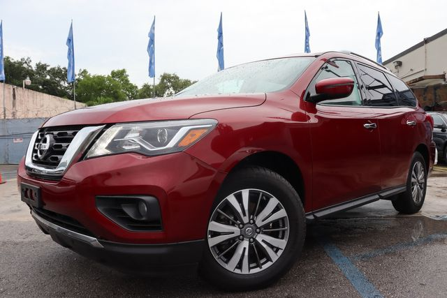 2018 Nissan Pathfinder SV in Miami, FL 33142