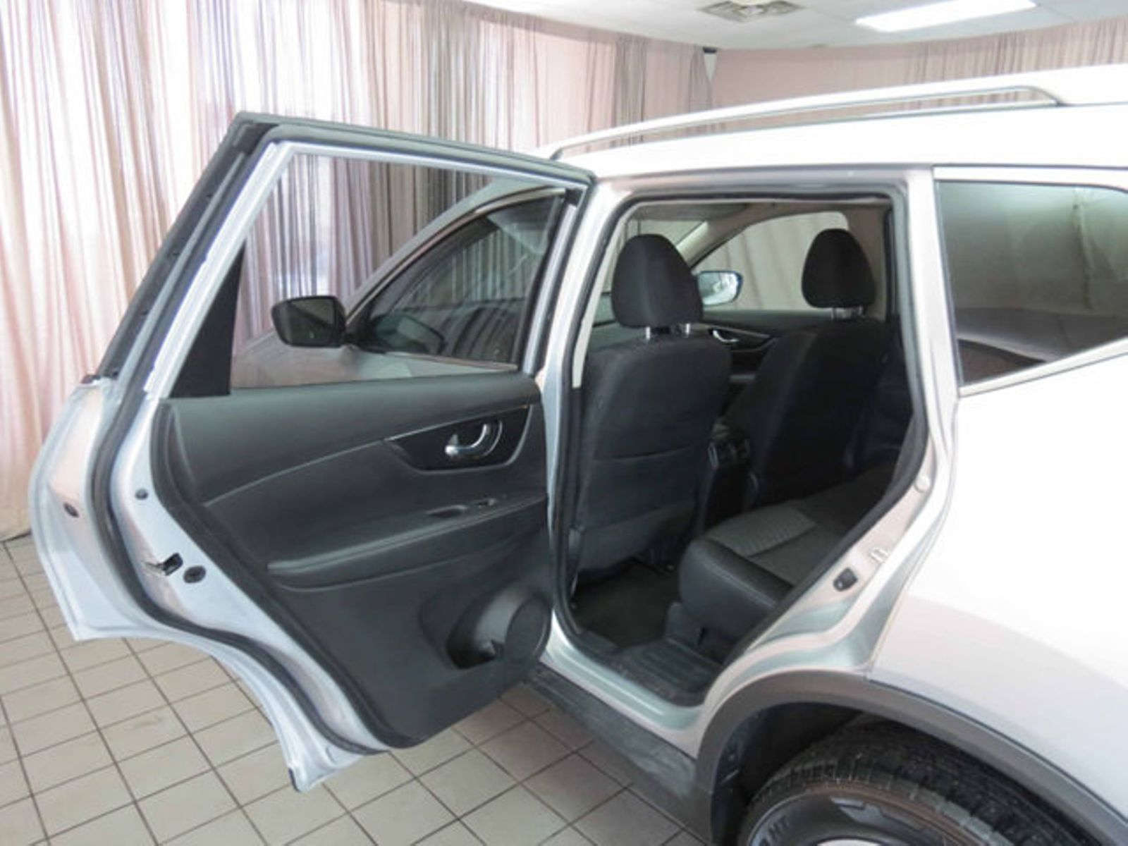 2018 nissan rogue sv city oh north coast auto mall of akron. Black Bedroom Furniture Sets. Home Design Ideas