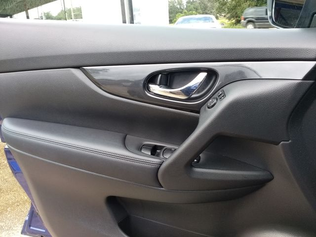 2018 Nissan Rogue SV Houston, Mississippi 10