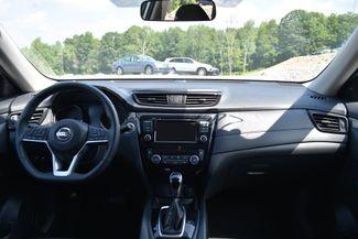 2018 Nissan Rogue SV Naugatuck, Connecticut 17