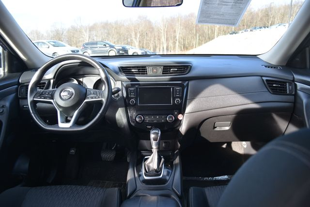 2018 Nissan Rogue SV Naugatuck, Connecticut 16