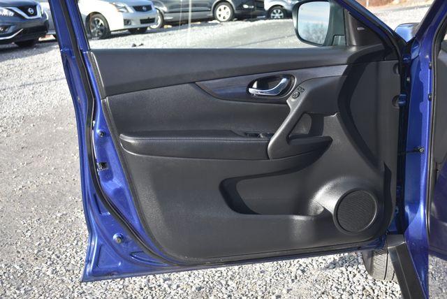 2018 Nissan Rogue SV Naugatuck, Connecticut 18