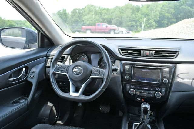 2018 Nissan Rogue SV Naugatuck, Connecticut 14