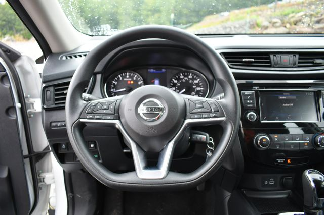 2018 Nissan Rogue S AWD Naugatuck, Connecticut 17