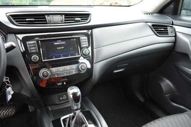 2018 Nissan Rogue S AWD Naugatuck, Connecticut 18