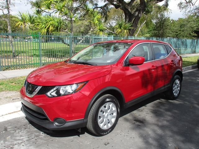 2018 Nissan Rogue Sport S in Miami, FL 33142
