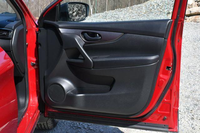 2018 Nissan Rogue Sport S Naugatuck, Connecticut 12