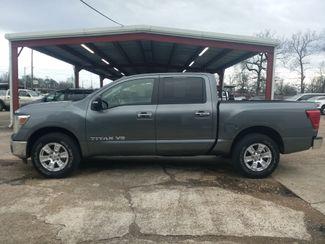 2018 Nissan Titan Crew Cab 4x4 SV Houston, Mississippi 3