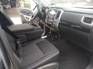 2018 Nissan Titan Crew Cab 4x4 SV Houston, Mississippi 9