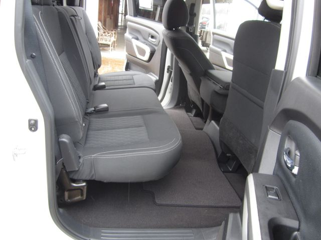 2018 Nissan Titan SV Crew Cab 4x4 Houston, Mississippi 10