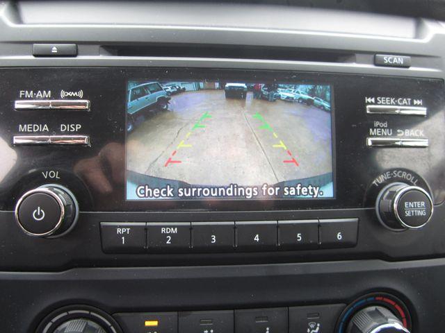 2018 Nissan Titan SV Crew Cab 4x4 Houston, Mississippi 14