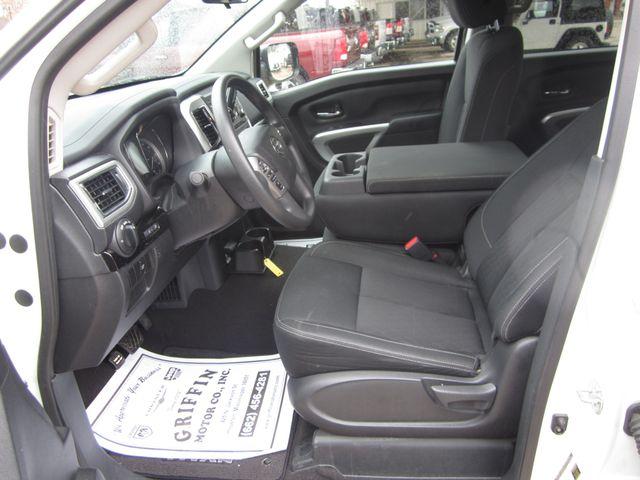 2018 Nissan Titan SV Crew Cab 4x4 Houston, Mississippi 7