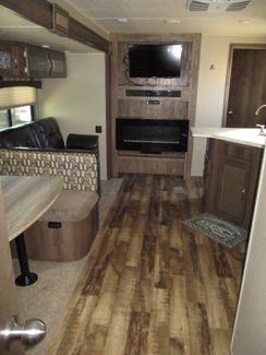 2018 Palomino Puma 32RBFQ  city Florida  RV World of Hudson Inc  in Hudson, Florida