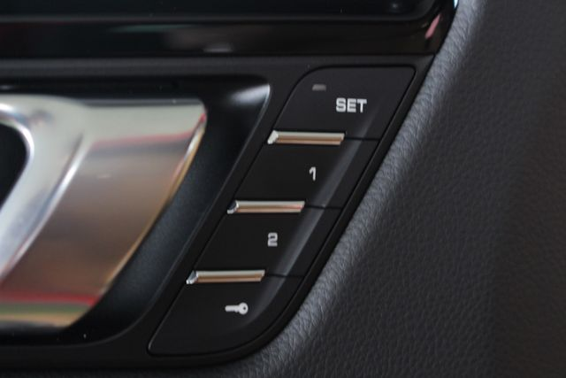 2018 Porsche Macan S AWD - PREMIUM PACKAGE PLUS - NAV - PANO ROOF! Mooresville , NC 57
