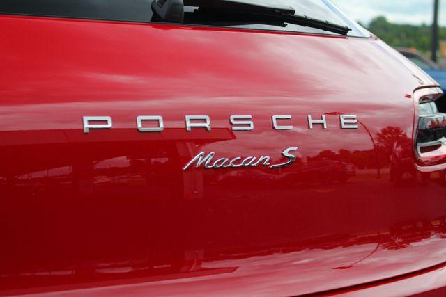 2018 Porsche Macan S AWD - PREMIUM PACKAGE PLUS - NAV - PANO ROOF! Mooresville , NC 29