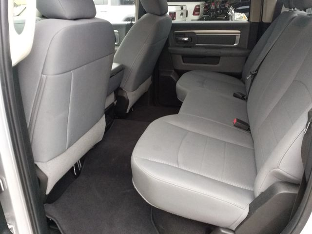 2018 Ram 1500 Crew Cab 4x4 SLT Houston, Mississippi 9