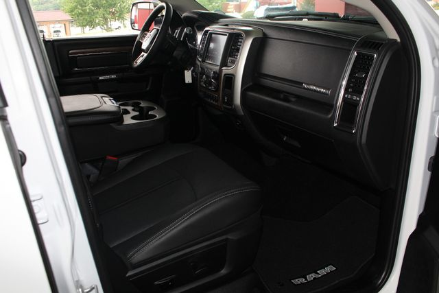 2018 Ram 2500 Laramie Crew Cab 4x4 - ONLY 620 MILES - LIFTED! Mooresville , NC 32