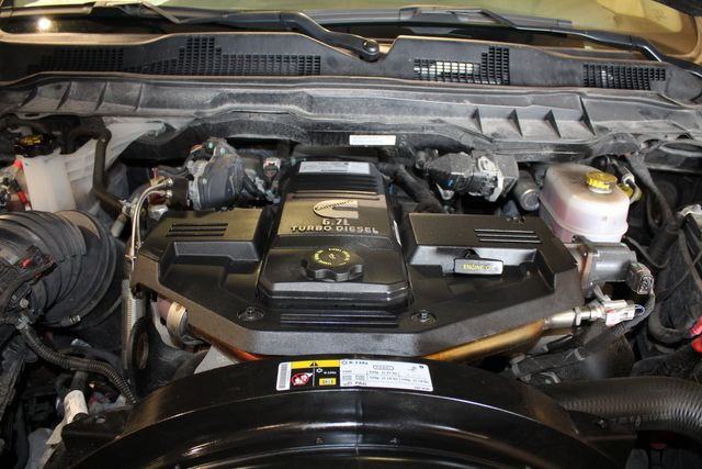 2018 Ram 2500 Diesel 4x4 Manual 6 speed Tradesman diesel 4x4 in Roscoe, IL 61073