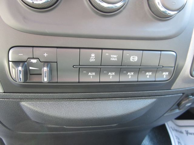 2018 Ram 3500 Chassis Cab Tradesman Crew Cab 4x4 Houston, Mississippi 17