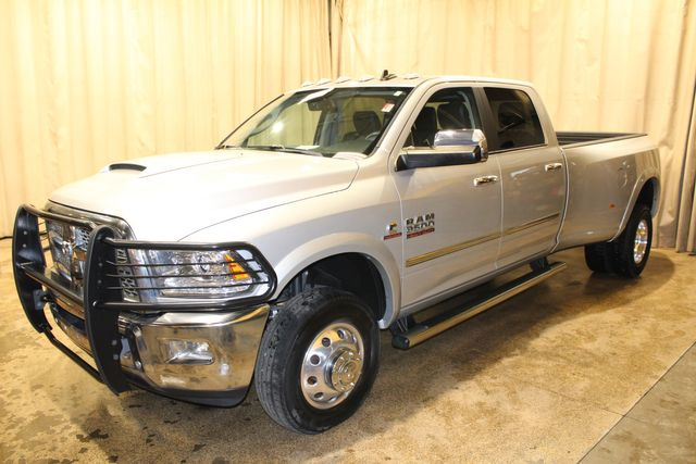 2018 Ram 3500 Laramie diesel 4x4 Dually in Roscoe, IL 61073