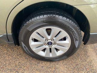 2018 Subaru Outback Premium Farmington, MN 10