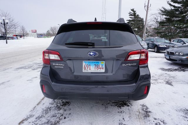 2018 Subaru Outback Premium Maple Grove, Minnesota 3