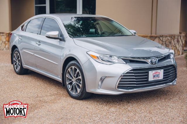 2018 Toyota Avalon XLE in Arlington, Texas 76013