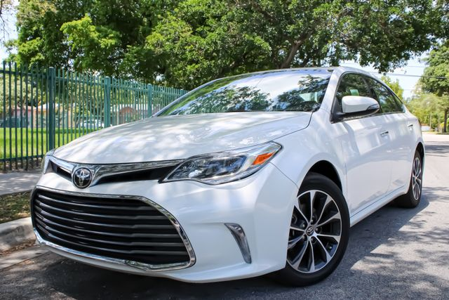 2018 Toyota Avalon XLE in Miami, FL 33142