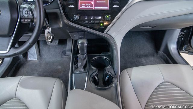 2018 Toyota Camry SE in Addison, Texas 75001