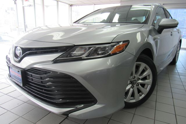 2018 Toyota Camry LE W/ BACK UP CAM Chicago, Illinois 3