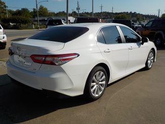 2018 Toyota Camry LE Fayetteville , Arkansas 4