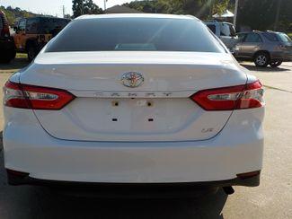 2018 Toyota Camry LE Fayetteville , Arkansas 5
