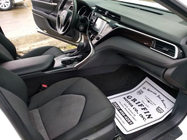 2018 Toyota Camry LE Houston, Mississippi 8