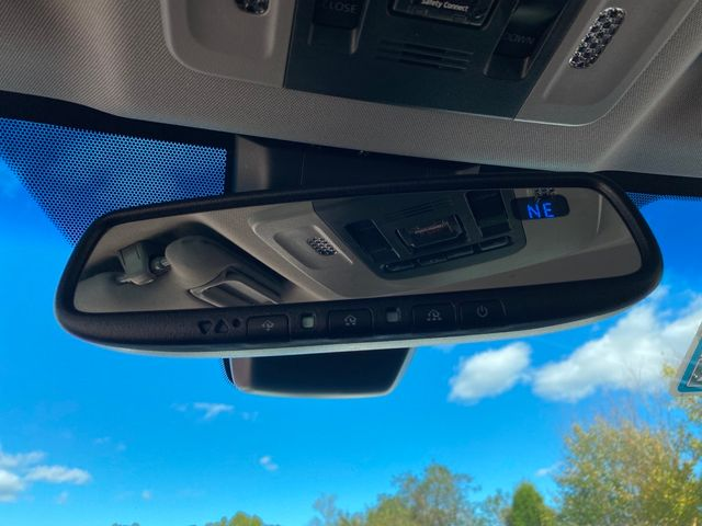 2018 Toyota Camry SE Madison, NC 32