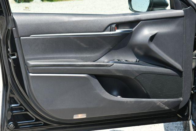 2018 Toyota Camry SE Naugatuck, Connecticut 18