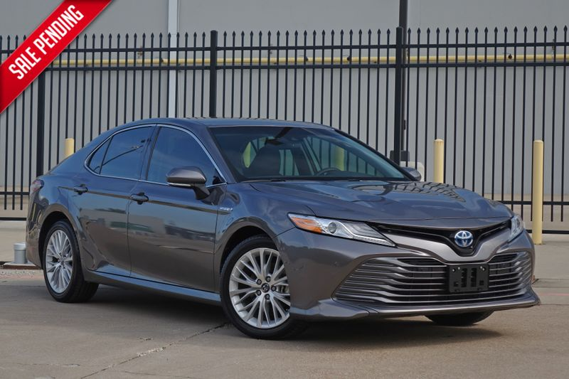 2018 Toyota Camry Hybrid XLE*Only 38k mi* Heads Up* Loaded* | Plano, TX | Carrick's Autos in Plano TX