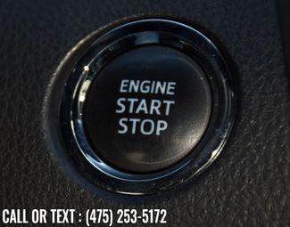 2018 Toyota Camry SE Auto Waterbury, Connecticut 26