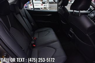 2018 Toyota Camry SE Auto Waterbury, Connecticut 17