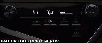 2018 Toyota Camry SE Auto Waterbury, Connecticut 32