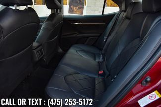 2018 Toyota Camry XLE Waterbury, Connecticut 18