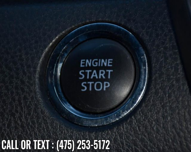 2018 Toyota Camry XLE Waterbury, Connecticut 30