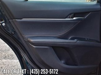 2018 Toyota Camry XLE Waterbury, Connecticut 25