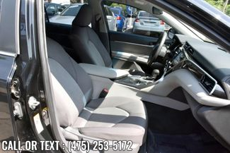 2018 Toyota Camry LE Waterbury, Connecticut 13
