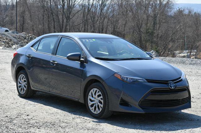 2018 Toyota Corolla LE Naugatuck, Connecticut 8